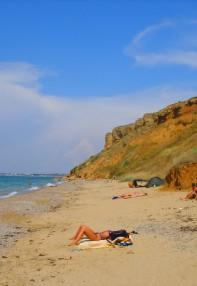 Дикий пляж в Песчаном