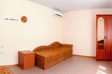 Эконом четырехместный, гостиница Песчаное Летом